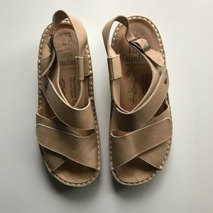 Shoes - Finn Comfort 39 Sandals in Nude